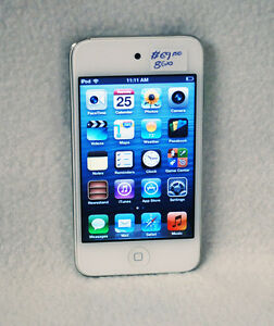 Apple MD057C - iPod touch 4th Gen 8GB White