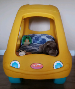 Step 2 VW Toddler Bed with crib mattress