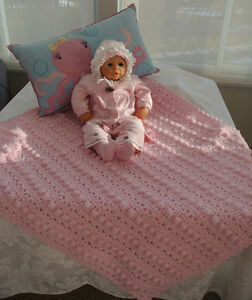 Beautiful Hand Croched Baby Blankets $25 Each Peterborough Peterborough Area image 5
