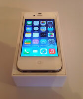 White iPhone 4 8GB Bell/Virgin (LIKE NEW IN BOX)