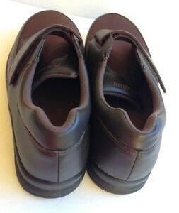 Like New P.W. MINOR Mens Pleasure Strap Orthodic Shoes - 8.5WW Cambridge Kitchener Area image 2