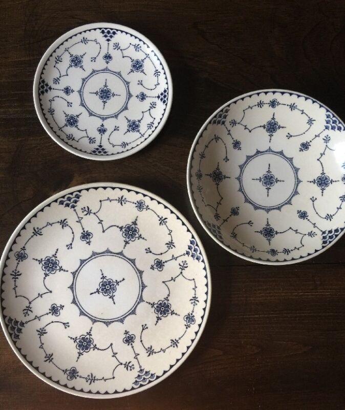 Delft Modern Blue Denmark Dish USA White Navy Flowers Set Of Plates And Bowl
