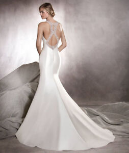 Beautiful Pronovias Wedding Gown for Sale
