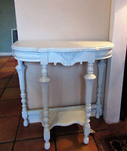 DEMILUNE OCCASIONAL TABLE