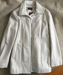 Danier Leather jacket Brand New zip front with tags