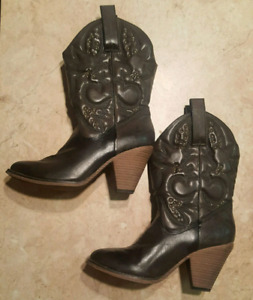 Cowgirl Booties (size 9)