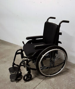 MotionComposites Move Lightweight Wheelchair