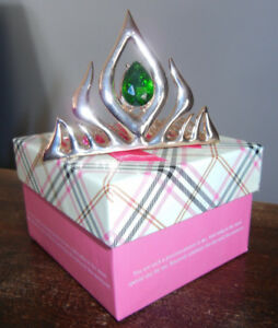 BRAND NEW: Golden Metal Queen Elsa Tiara (in Gift Box)
