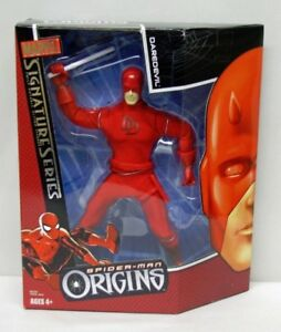 "FIGURINE DAREDEVIL SPIDER-MAN ORIGINS 9 ½"" COSTUME EN TISSU"