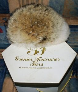 Beautiful and Warm Wolf fur Coat for your special lady! West Island Greater Montréal image 2