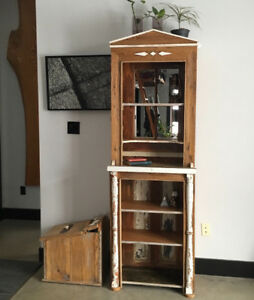 Mirrored open hutch / bookcase
