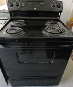 GE Coil Stove Self cleaning  in Good Condition