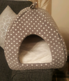 Igloo style Cat bed