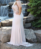 BEAUTIFUL MAXI DRESS FOR PROM OR ANY OTHER SPECIAL OCCASIONS