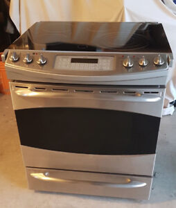 "GE Electric Range - 30"" Slide in with convection"