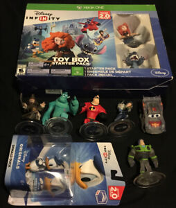DISNEY INFINITY 2.0 ORIGINALS XBOX ONE BUNDLE W/ 9 FIGURES