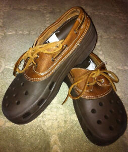 CROCS Leather Boat Shoes, Women's 8, Men's 6, NEW!