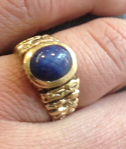 Natural Sapphire gents ring