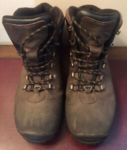 ISOGRIP Extreme Waterproof Hiking Boots
