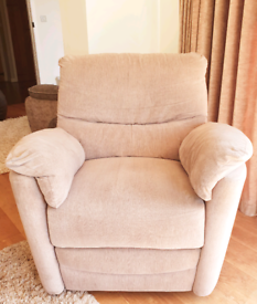 DELIVERY INCLUDED VGC moleskin fabric electric recliner armchair