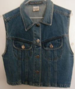 SLEEVELESS DENIM JEAN JACKET - YOUTH OR SMALL ADULT