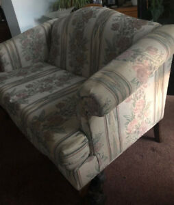 Couch - 2 seater free, - No Smoke, bugs or holes