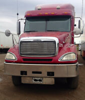 2007 freightliner Columbia, great heavy with rebuild.