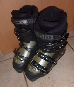 Nordica downhill ski boots, mondo size 25, excellent cond. Kitchener / Waterloo Kitchener Area image 1