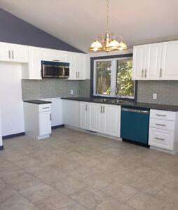3 Bedroom - Bright Main level apartment - Cornwall