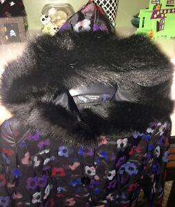 REDUCED! New Women's Coat, Vogue Furriers, Size 10.