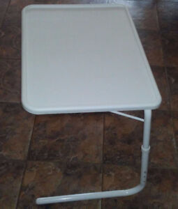 Tilting Folding Tray Table
