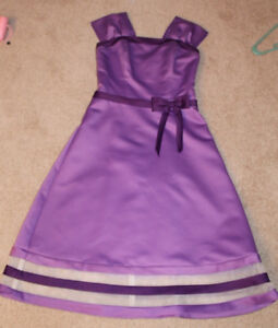Formal dress, 2 shades purple, size S -great condition