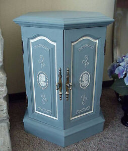 Wedgwood Inspired Hexagon Side / End Table