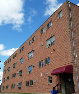 3 BEDROOM, 2 FLOOR APARTMENT - AVAILABLE JUNE 1ST