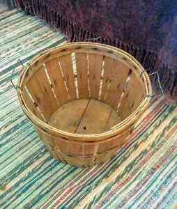 Vintage Apple Harvest Bushel Basket Country Ktchen Home Decor