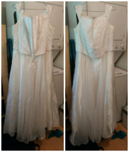 Beautiful excellent condition wedding dress