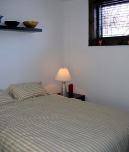 3 1/2 all furnished all Included tout meublé tout inclut Snowdon