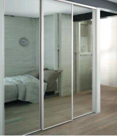 Free mirrored sliding wardribe doors