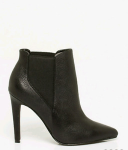 Black Ankle Boot - size 9