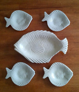 ENSEMBLE ASSIETTES EN FORME DE POISSON