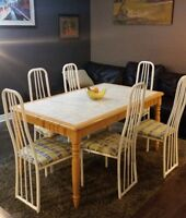 Vintage wooden table + 6 chairs