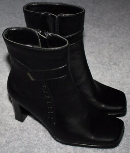 NEW, Size 7 WMS Black, Zippered High Heel Black Boot