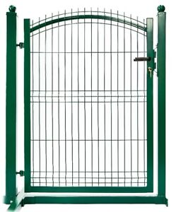 CLOSING OUT SALE  FENCE PANELS with  POSTS & gates