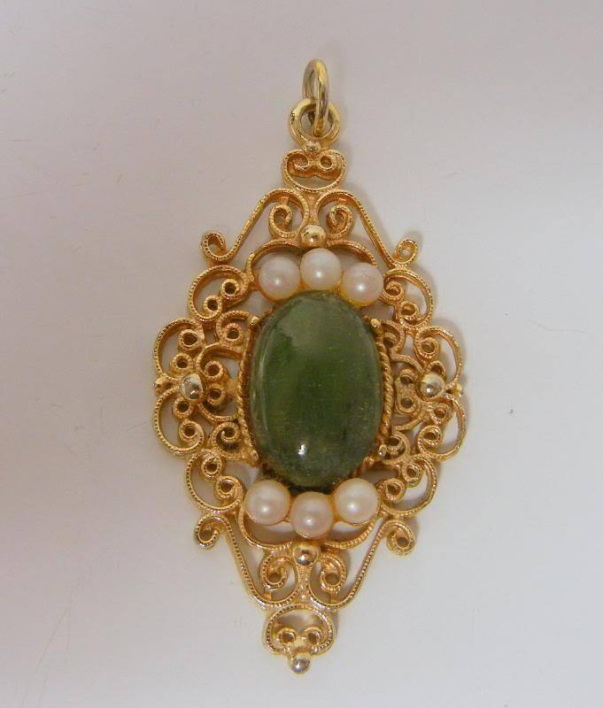 Vintage Chinese Green Jade Pearl Gold Tone Pendant