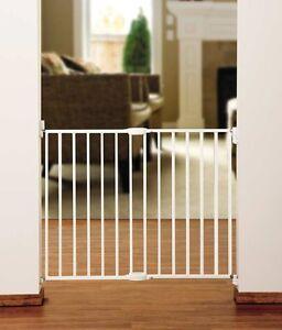 2 Munchkin Baby Gates