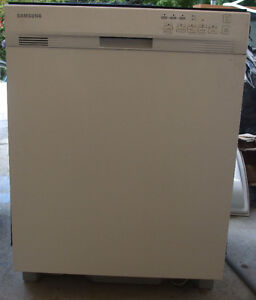SAMSUNG STAINLESS STEEL DISHWASHER FOR SALE!!!