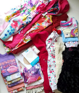 BIG LOT of girls clothing.  Size 4T (25 pieces)