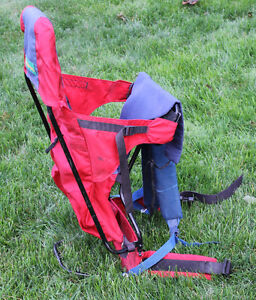 Outbound baby backpack carrier - Red and Blue Kitchener / Waterloo Kitchener Area image 3
