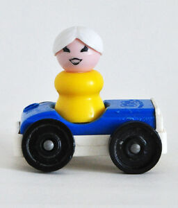 FISHER PRICE LITTLE PEOPLE YELLOW LADY IN BLUE CAR GREAT COND