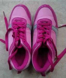 Girl shoes, Joe Fresh, size 12, new condition, just use several Kitchener / Waterloo Kitchener Area image 2